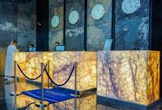 doubai In de zomer van 2016 Modern en helder binnenland in het hotel Wyndham Dubai Marina Royalty-vrije Stock Afbeeldingen