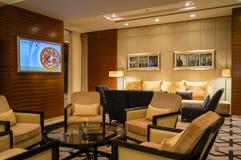 doubai In de zomer van 2016 Modern en helder binnenland op de Algemene Vergadering van hotelgrosvenor Stock Afbeeldingen