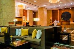 doubai In de zomer van 2016 Modern en helder binnenland op de Algemene Vergadering van hotelgrosvenor Royalty-vrije Stock Afbeeldingen