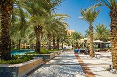 doubai In de zomer van 2016 Oase van het Hilton Ras Al Khaima-hotel op het Perzische Golf stock foto's