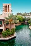 DOUBAI - JUNI 3: Het beroemde hotel en toeristendistrict van Madinat Jumeirah Royalty-vrije Stock Fotografie