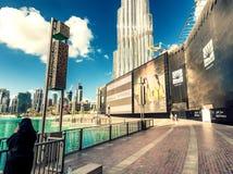 DOUBAI - NOVEMBER 22, 2015: De toren van Burjkhalifa Deze wolkenkrabber i Stock Afbeelding