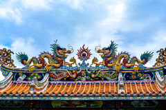 Double Chinese dragon on the temple roof Royalty Free Stock Photos