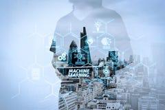 Double exposition d'homme d'affaires de succès utilisant le comprimé numérique avec illustration de vecteur