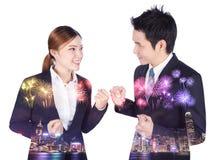 Double exposition d'homme et de femme réussis d'affaires avec du Ra de bras photographie stock libre de droits