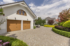 Double maison de garage photos libres de droits