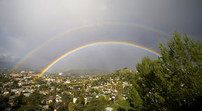 Double panorama d'arc-en-ciel Photo stock