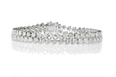 Double rangée Diamond Bracelet Photographie stock