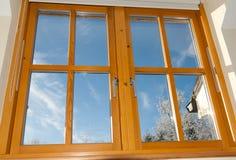double träglasat fönster fotografering för bildbyråer