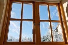 double träglasat fönster royaltyfri fotografi