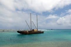 Doubled hulled o vaka em Rarotonga - cozinhe Islands Fotografia de Stock Royalty Free