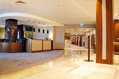 DoubleTree希尔顿 旅馆的现代内部 库存照片