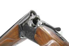 Doublez le fusil de chasse barreled d'isolement au-dessus d'un fond blanc photo libre de droits