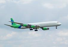 Doublure tôt d'avion à réaction de cargaison de la série DC-8 Photos stock
