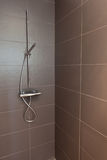Douche carrelée de salle de bains Photo libre de droits
