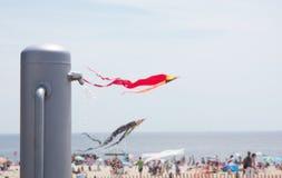 douche de niveau supérieur moderne sur la plage Image libre de droits