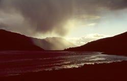 Douche de pluie dans les montagnes écossaises Images libres de droits