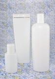Douche vastgestelde witte fles Royalty-vrije Stock Foto's