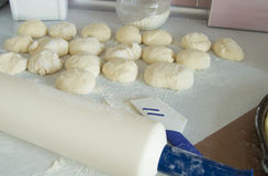 Dough, rolling pin, flour for making fresh homemade cakes Royalty Free Stock Photography