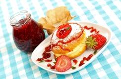 doughnut γλυκό μαρμελάδας Στοκ φωτογραφία με δικαίωμα ελεύθερης χρήσης