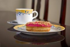 doughnut καφέ στοκ φωτογραφία με δικαίωμα ελεύθερης χρήσης