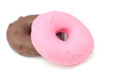Doughnut στην άσπρη ανασκόπηση Στοκ φωτογραφία με δικαίωμα ελεύθερης χρήσης