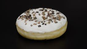 Doughnut στο Μαύρο Στοκ φωτογραφίες με δικαίωμα ελεύθερης χρήσης