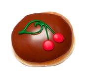 Doughnut Chocolat με τα κεράσια Στοκ Εικόνες