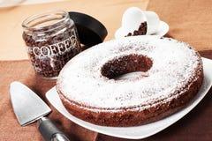 Doughnut gevormde cake Royalty-vrije Stock Afbeeldingen
