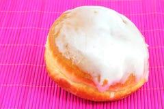 Doughnut met het berijpen Stock Foto