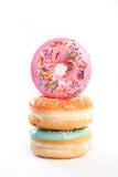 Doughnut op een witte achtergrond wordt geïsoleerd die royalty-vrije stock foto's