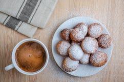Doughnuts και καφές τυριών στάρπης στοκ εικόνες