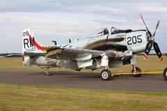 Douglas advertentie-4na skyraider met beschadigde vleugel Stock Fotografie
