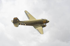 Douglas C-47 Skytrain på skärm Royaltyfri Foto