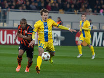 Douglas Costa contra Denis Polyakov Fotos de Stock Royalty Free