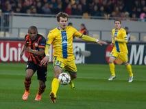 Douglas Costa versus Denis Polyakov Royalty-vrije Stock Foto's