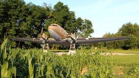 Douglas Dakota gelijkstroom-3 C-47 WO.II vliegtuig vooraanzicht royalty-vrije stock foto's