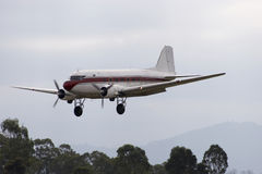 Douglas DC-3. Coming in for a landing Stock Photos
