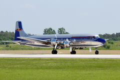 Douglas DC-6 tappningflygplan Arkivfoton