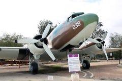 DOUGLAS ds-3/C-47 - Dakota - vervoervliegtuigen Stock Afbeelding