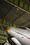 Douglas Skymaster im verschalenden Bereich von historischem Berlin Tempelhof Airport Lizenzfreies Stockfoto