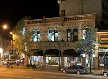 Douglas Street bij nacht, Victoria, BC, Canada stock afbeelding