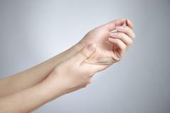 Douleur dans les joints des mains Photos libres de droits