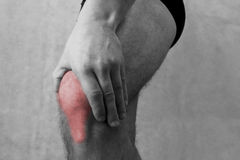 Douleur de genou, fond médical de personnes de douleurs articulaires image libre de droits