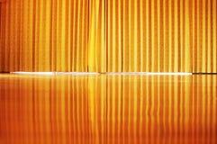 Dourado drapeje fotos de stock