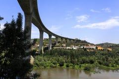 "Douro flod†""Miguel Torga Bridge royaltyfri bild"