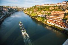 Douro rzeczny widok od Dom Luis Porto, przerzucam most Zdjęcie Stock