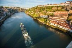 Douro rzeczny widok od Dom Luis Porto, przerzucam most Fotografia Royalty Free