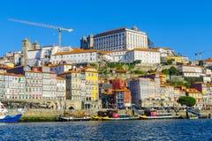 Douro rzeka i Ribeira brzeg rzeki w Porto, Fotografia Stock