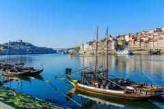 Douro rzeka i Ribeira brzeg rzeki w Porto, Obrazy Stock
